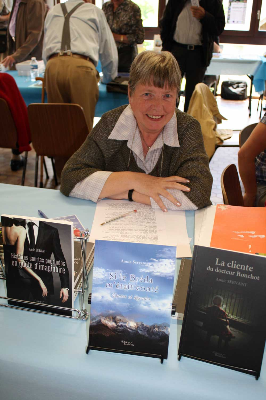 11ème-Salon-du-Livre-La-Pierre-1-06-2014-044